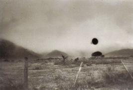 Fotografia feita em Yacanto, Argentina, em 1960 (Foto via Mothmen.us)