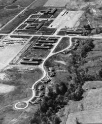 Vista aérea dos dormitórios da West Virginia Ordnance Works (Foto: USACE)