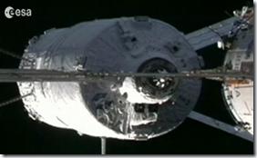 ATV-2 minutos antes da acoplagem (Foto: ESA)