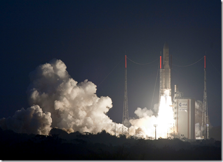Ariane 5 decola com recorde de massa: Yahsat 1A  e Intelsat New Dawn (Foto: Arianespace)