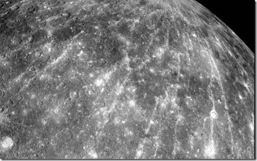 Imagem de Mercúrio em cor natural feita pela MESSENGER em outubro de 2008 (Foto: NASA)
