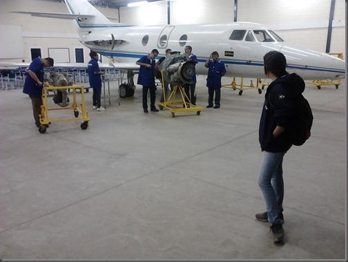 Alunos da EMCA praticam frenagem (Foto: Eduardo Oliveira)