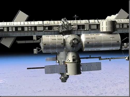 Ilustração da Dragon acoplada à ISS (Foto: SpaceX)