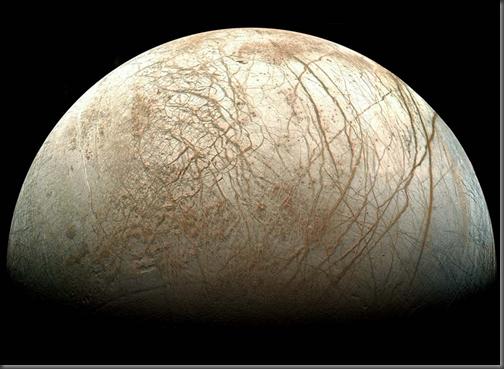 Europa fotografada pela sonda Galileo, da NASA (Foto: NASA)