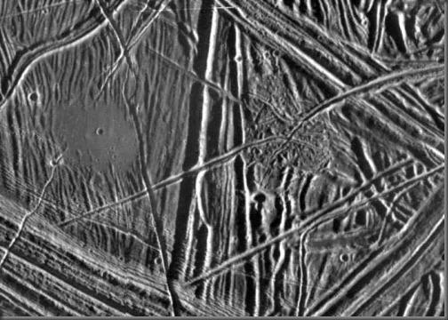 Superfície de Europa (Foto: NASA)