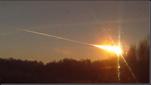 Meteorito cruza o céu de Tchielabinsk