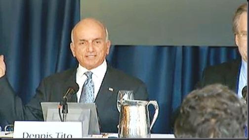 Dennis Tito, primeiro turista espacial, no anúncio da missão (Foto: Inspiration Mars Foundation)