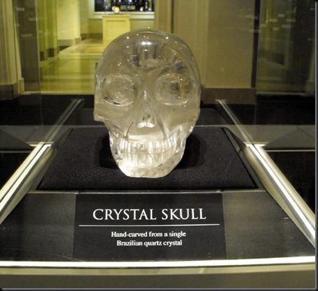Caveira de Cristal Brasileira, do tamnho de um crânio humano, doada a um museu por um brasileiro em 2004 (Foto via World Mysteries)