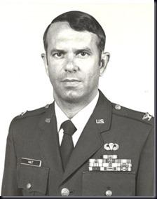 Charles Halt, sub-comandante da base, testemunhou os estranhos acontecimentos (Foto via OZUFO)