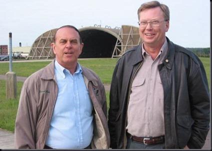 Halt e Penniston (Foto via UFO Evidence)
