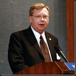 Jim Penniston em discurso no National Press Club