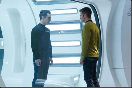 Benedict Cumberbatch e Chris Pine em cena de Star Trek - Além da Escuridão (Foto: divulgação)