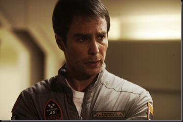 Sam Rockwell em cena de Lunar Cena do filme Lunar (Foto: divulgação)
