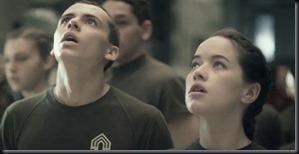 """Tom Green e Anna Popplewell em """"Halo 4 - Em Direção ao Amanhecer"""" (Foto: divulgação)"""