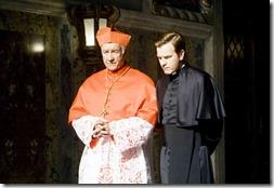 Ewan McGregor e Armin Mueller-Stahl em cena do filme