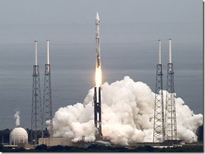 Atlas V decola com sonda MAVEN (Foto: Michael Berrigan / Reuters)