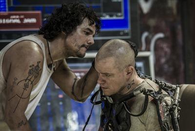 Wagner Moura e Matt Damon em cena de Elysium