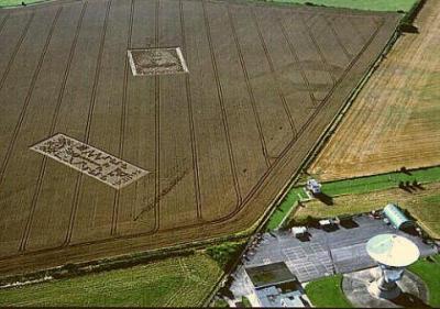 Formações misteriosas em plantação de trigo no Reino Unido em 2001