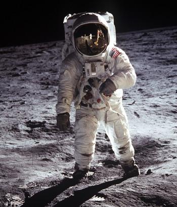 Buzz Aldrin e seu traje A7L na Lua durante a Apollo 11 (Foto: NASA)