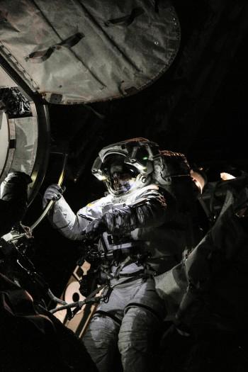 Chris Cassidy em caminhada espacial na ISS