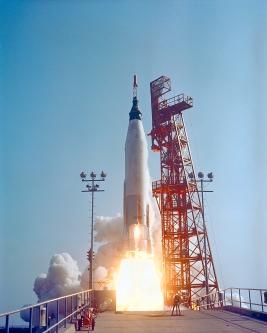 Lançamento do foguete Atlas com a Mercury IX e Gordon Cooper a bordo, em 15/05/1963 (Foto: NASA)